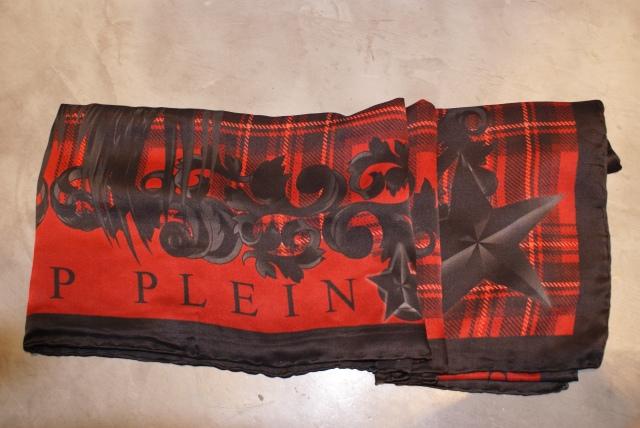 Pañuelo de seda en rojo y negro de Philipp Pelin